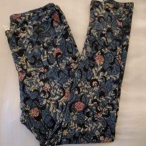 LuLaRoe mermaid pattern leggings.